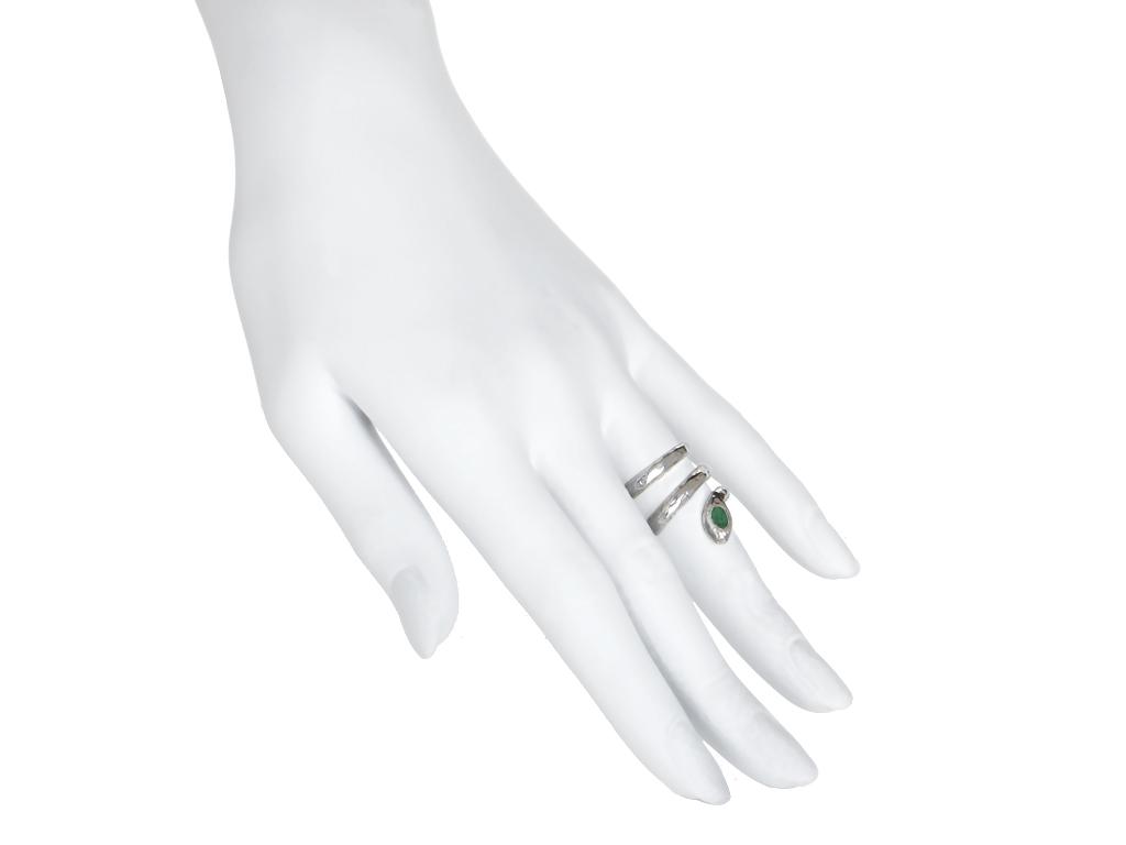 Serpiente esmeralda plata puesto